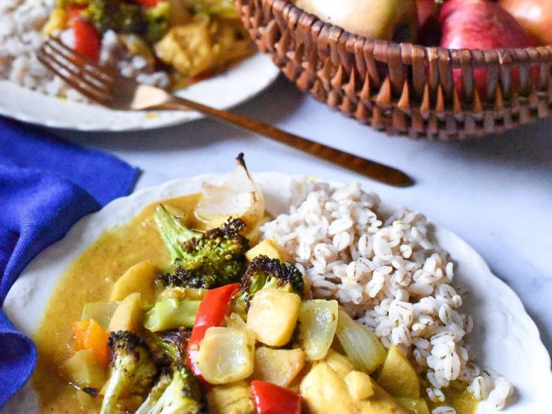 slow cooked apple chicken curry